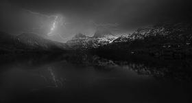 Lightning over Cradle Mt